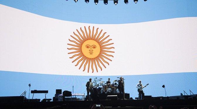 Green Day e U2 não entram na briga com o futebol na América do Sul